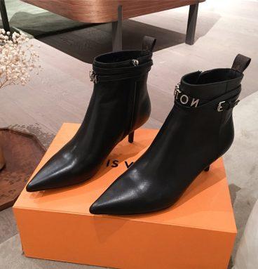 Replica Louis Vuitton LV Boots in Black