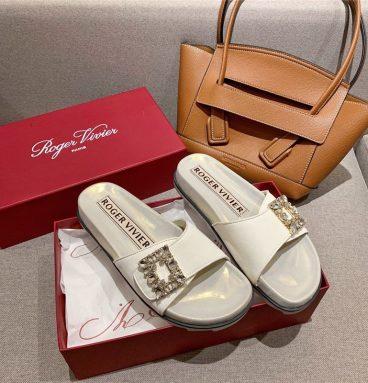 Roger vivier slippers