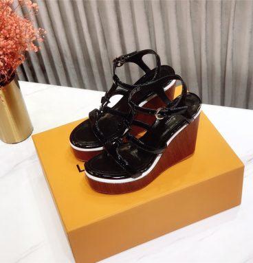 LOUIS VUITTON 2020 sandals black