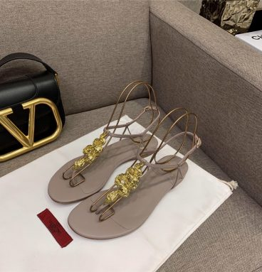 flip flop valentino sandals