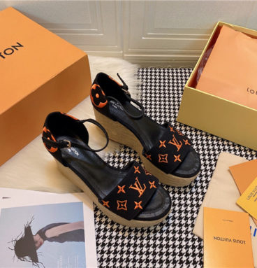 lv starboard wedge sandals