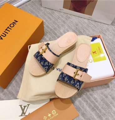 LV solid wood slippers