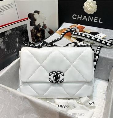 chanel 19 flap bag white